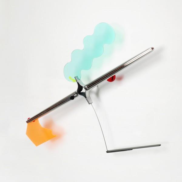Acrílico, metal, plástico, resina e tinta acrílica 60X70X20cm [ECU063]