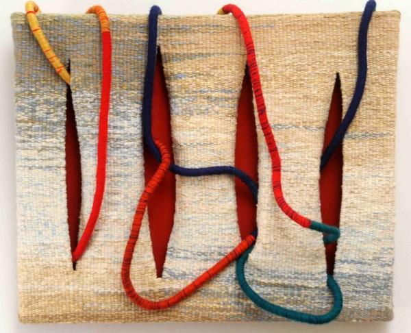 Tear manual com fios diversos, tecido pintado e espuma enrolada 80X97X10cm [EVS001]